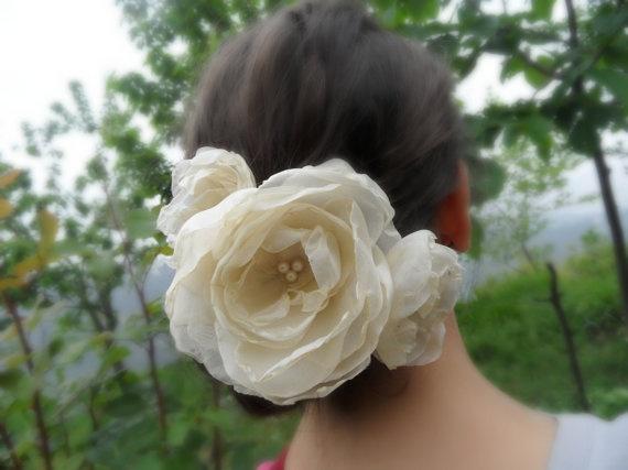 bride hair flowers champagne hair flowers hair clip by WEDDINGHome, $45.00