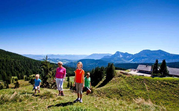Wir wollen bald mal einen richtig schönen und längeren Alpen-Urlaub machen. Damit das nicht zu teuer wird, fange ich schon mal an, nach Angeboten zu suchen. Ich war schon im Reisebüro und kenne ja jetzt die Eckdaten. Jetzt mache ich mich online auf die Suche nach dem besten Deal.