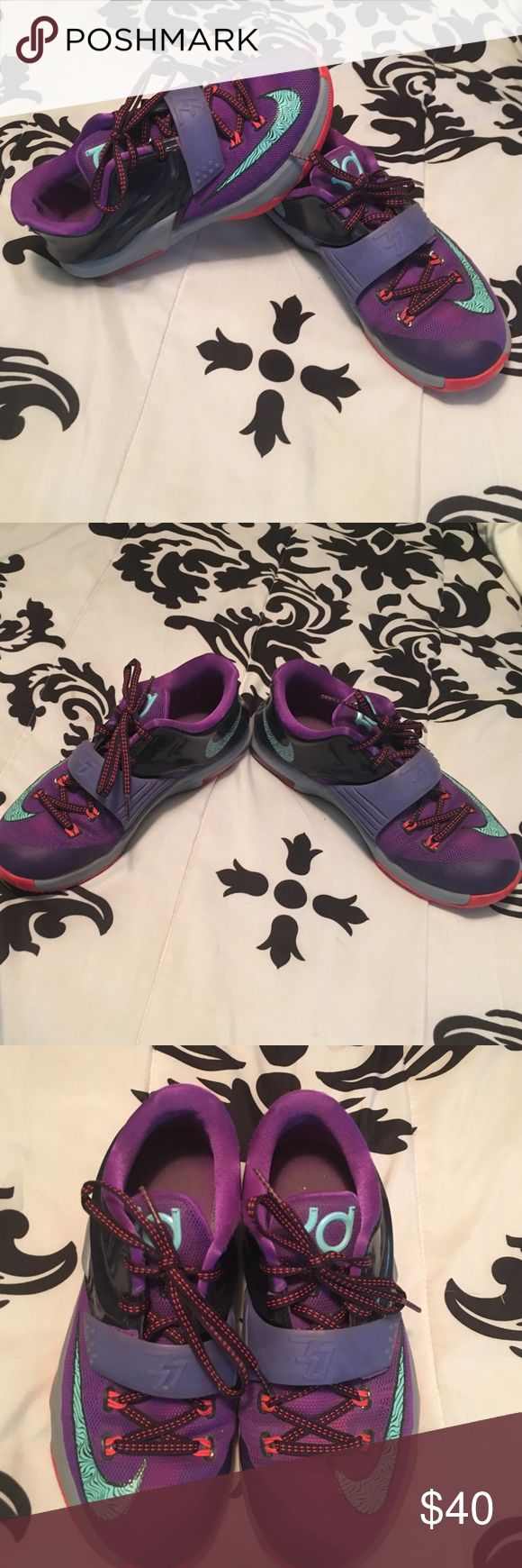 Nike KD Sneakers Great athletic sneaker. Very comfortable and durable Nike Shoes Sneakers