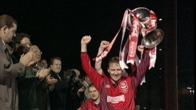 Stewart McKimmie lifting the League Cup