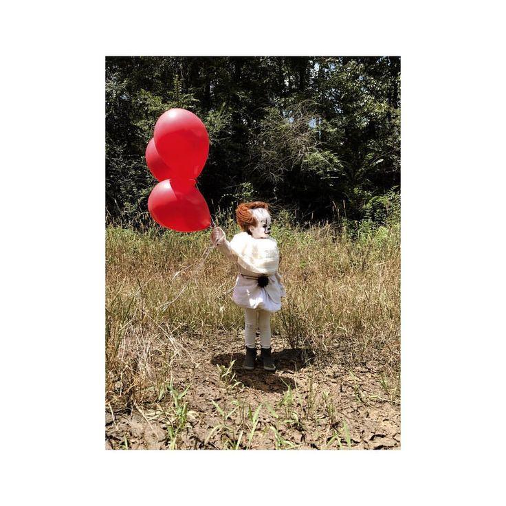 """3,634 Me gusta, 22 comentarios - Eagan Tilghman (@eag2n) en Instagram: """"Just an unreleased image of Louie's original photoshoot. Enjoy. #pennywise #itmovie #it…"""""""