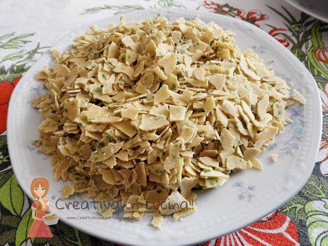 Mille infranti ( ù tridd ) pasta casereccia molfettese, buona leggera e facile da preparare! Pasta ideale per brodo. Leggete la ricetta >> http://creativaincucina.blogspot.it/2015/12/mille-infranti-u-tridd.html A thousand broken (ù tridd) Molfettese homemade pasta, good light and easy to prepare! Ideal pasta for soup. Read the recipe >> http://creativaincucina.blogspot.it/2015/12/mille-infranti-u-tridd.html