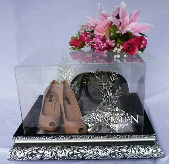 The House Of Seserahan #silverantiqueseserahanbox #indonesianwedding #weddinggiftsboxes