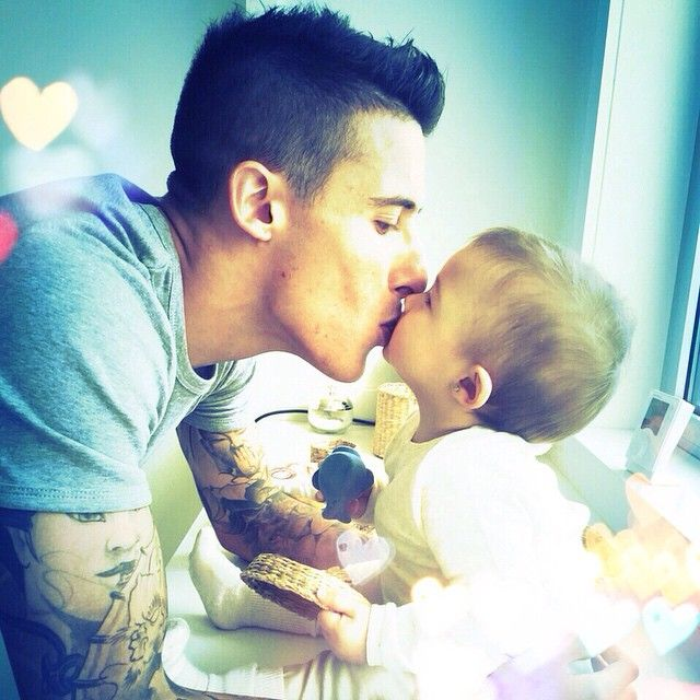 Cristian Tello with his daughter Carlota Tello Lopez
