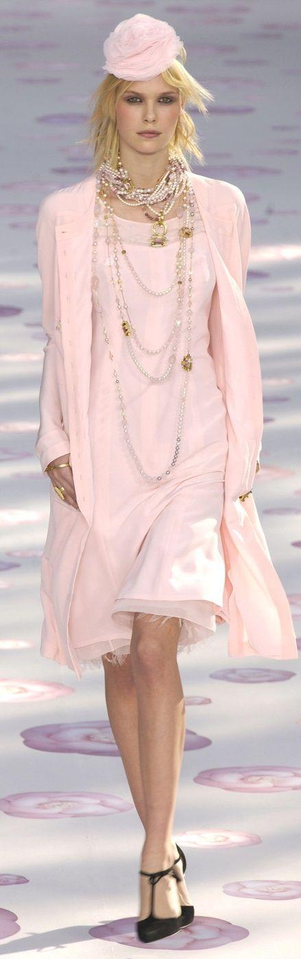 Chanel 2002 SpringSummer                                                       …