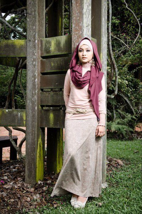 Love Sufyaa's  fresh take on hijabi fashion.