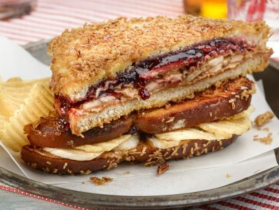 Crunchy Fried PB and J...this can't be low in calories but I'm going to try it!