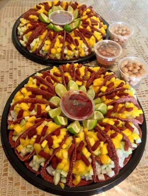 rosca de tacos de tamarindo rellenos de fruta