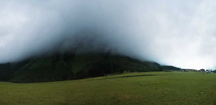 #Mist #Flag #Austria #BadWeather #Rain #Themist #Mountain #LinsySteijvers #Maclinsy #RijkeReizen