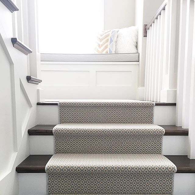 I get soooo many questions about my stair runner so here is the info in one easy place ! My runner is @stantoncarpet. It is the Atelier collection, Matisse style, and the color is Seaside. I ordered it through a local flooring/interior design studio. Now I will go totally off subject ... the time change is awesome in the morning! I usually get out of bed around 7:45am. Well, it is 8:30 and I have already done a load of laundry, caught up on IG, visited the local coffee shop, booked plane…