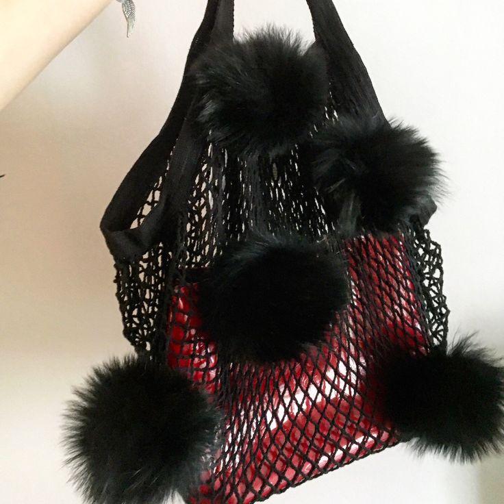NET pom bag is here!! . . #netbag #furpompom #pompombag #furbag #netbags