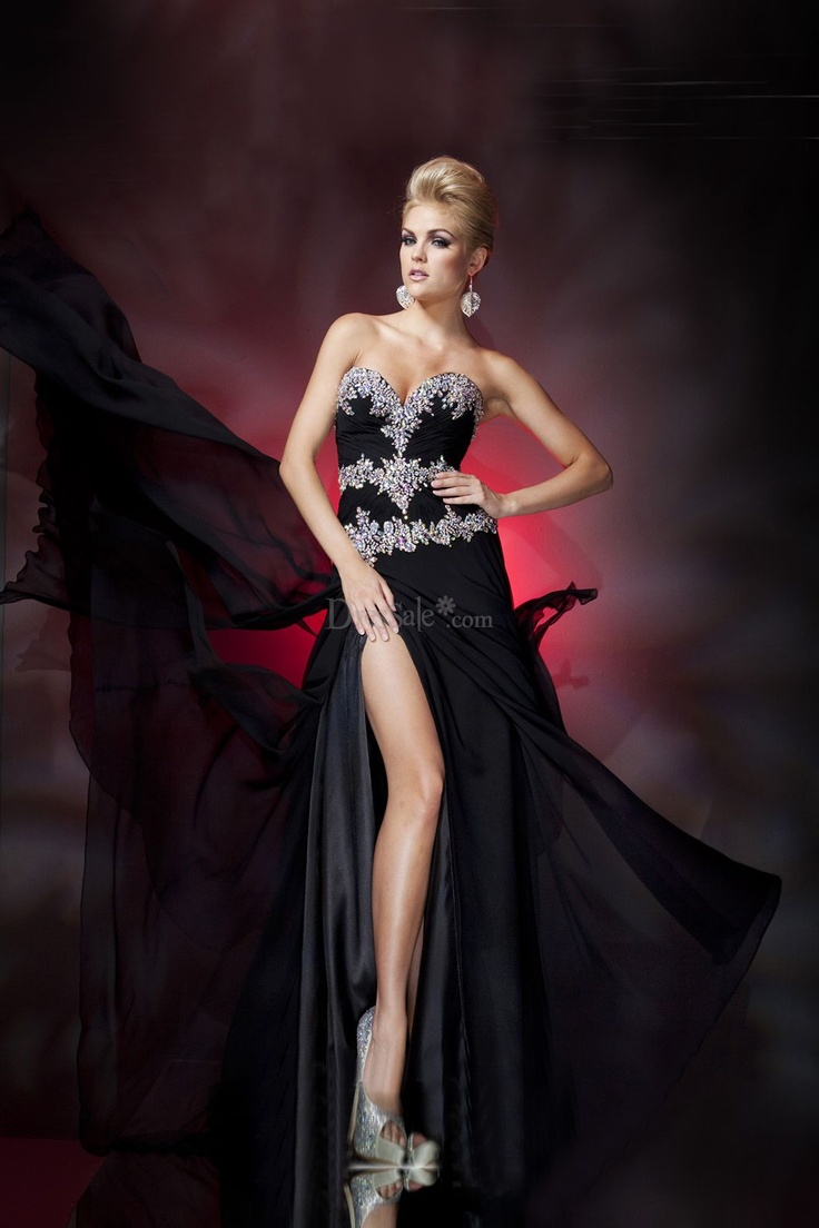 Strapless Sweetheart Neckline Sheath Prom Dress with Slit Skirt black $134.99