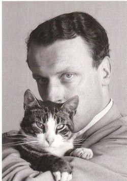 Writer W.F. Hermans and cat by Ed van der Elsken