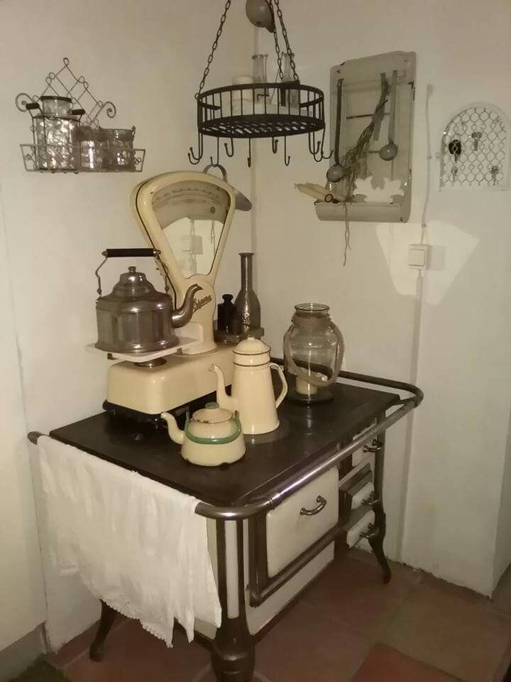 Schön Dekorierte Küchenhexe Mit Bildern Küchenhexe