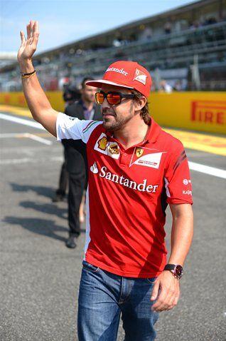 Fernando Alonso (ESP) Ferrari on the drivers parade. Formula One World Championship, Rd13, Italian Grand Prix, Monza, Italy, Race Day, Sunday, 7 September 2014