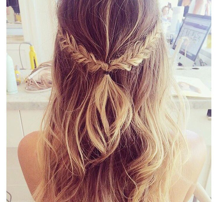 half up half down Braid #hair #hairstyle #longhair ஐ ✦⊱Pinterest @Kawaii Duck ⊰✦ Follow to discover more ஐ