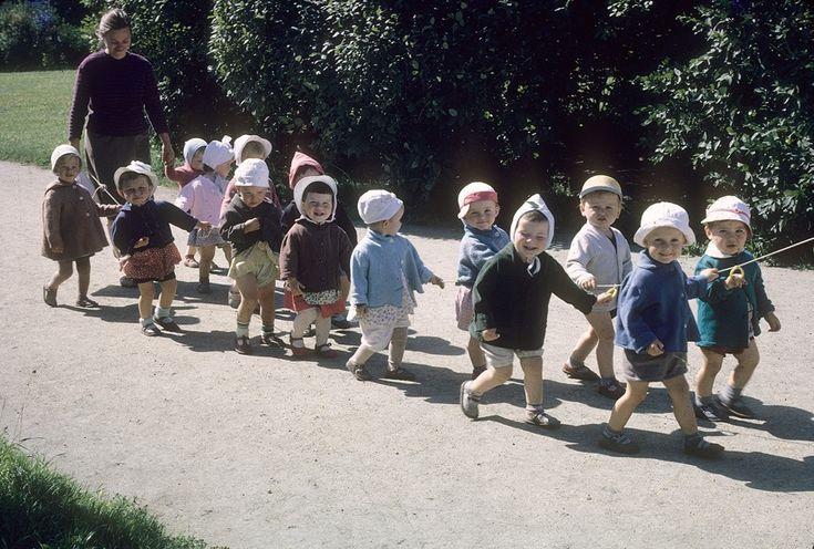Сцены из советской жизни. Загадочные фото 1963 года