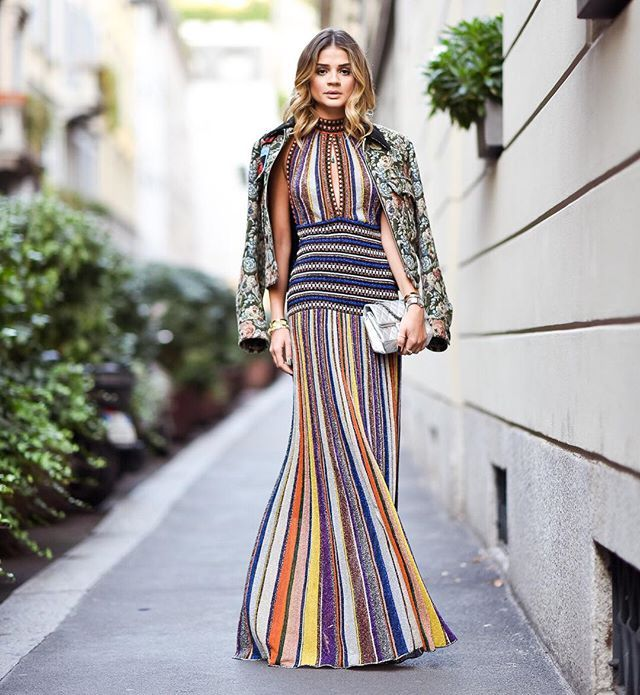 In @missoni dress and @miumiu jacket! | Mix de texturas e estampas que tanto amo para o desfile da @missoni! Que tal!? #thassiatakesmfw #thassiastyle #ootd | @rhaiffe