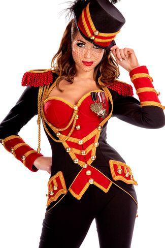 Fantasia General Feminina, faça sucesso na sua festa a fantasia com essa, super detalhada, fantasia Super Luxo da Breshow.Deixe a imaginação voar na Breshow