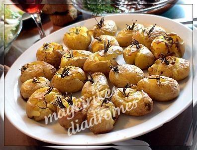 Πατατούλες στο φούρνο με δεντρολίβανο