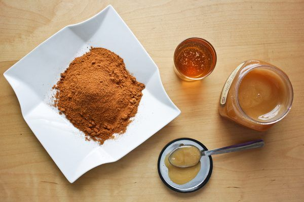 "Although honey and cinnamon cannot magically melt the fat away, as some Internet sites say, there is a small amount of evidence behind the claims, and they may help you lose a small amount of weight when combined with a healthy diet. Consult your doctor before attempting any weight-loss diet, and don't rely on any food to be the ""magic..."