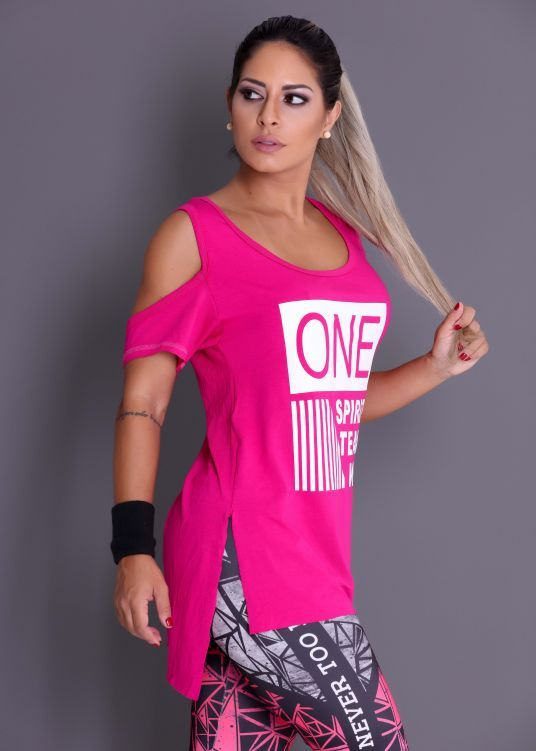 8d8fe3167 Camiseta One Spirit com Ombro de Fora - Donna Carioca - Moda fitness com  preço de fábrica
