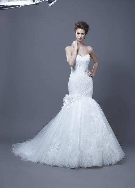 Igen Szalon Enzoani wedding dress- Harika #igenszalon #Enzoani #weddingdress #bridalgown #eskuvoiruha #menyasszonyiruha #eskuvo #menyasszony #Budapest