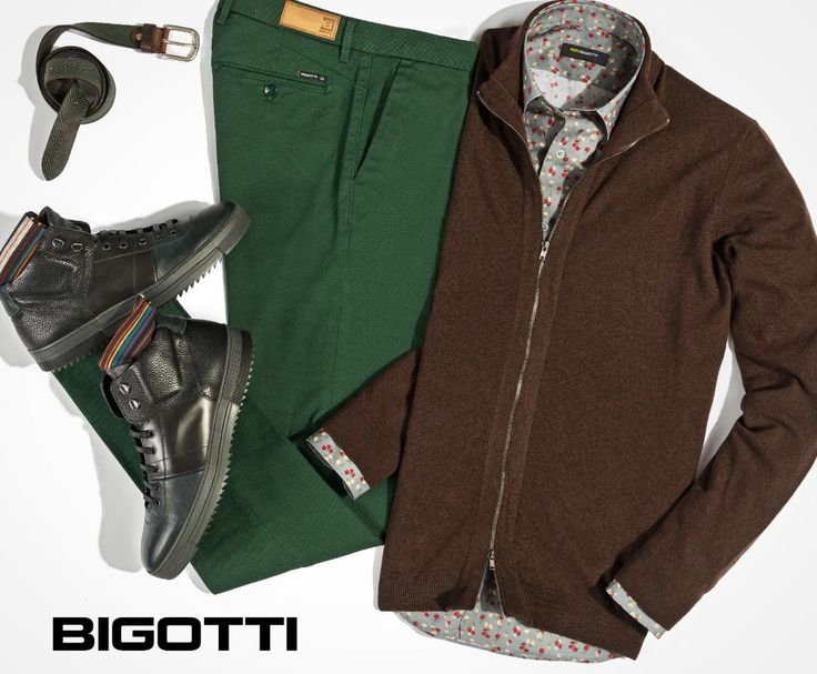 #Neutral (#brown) and #vibrant (#floral #print), #classic (#chinos) and #ultramodern (#boots) – the #well #balanced #styling #makes the #difference. www.bigotti.ro #moda #barbati #tinute #mensfashion #menswear #mensclothing #mensstyle #ootdmen #follow #fashiontag