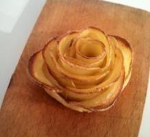 Recette - Roses feuilletées aux pommes de terre - Notée 4.0/5 par les internautes