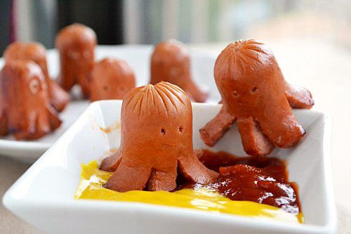 "Fantastically cute hot dog ""octopuses"". Completely fun for kids of all ages! :) #cute #food #kawaii #bento #lunch #hot_dogs #octopus #kids"