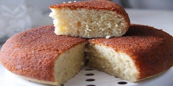Манник получается сочным и очень нежным на вкус! Я обязательно приготовлю пирог по этому рецепту еще раз. Советую это сделать и вам!