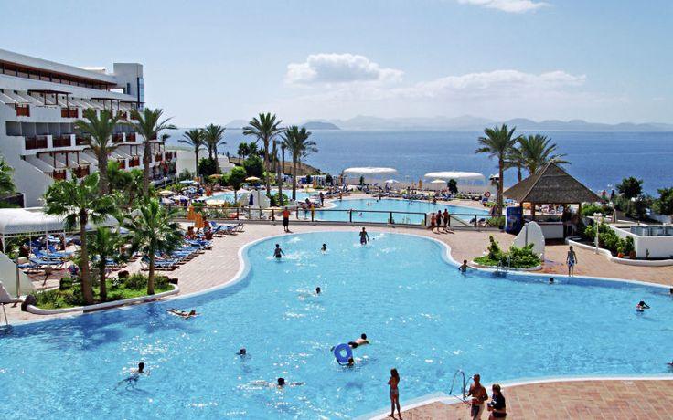 Rejs på ferie med All Inclusive på hotel Sandos Papagayo Beach Resort på Lanzarote. Se mere på http://www.apollorejser.dk/rejser/europa/spanien/de-kanariske-oer/lanzarote/playa-blanca/hoteller/sandos-papagayo-beach-resort