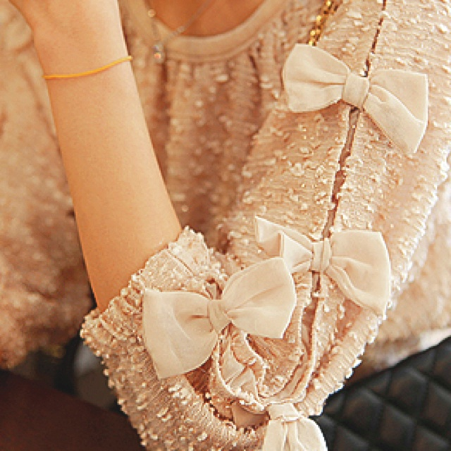BowsSweaters, Blouses, Chanel, Fashion, Style, Clothing, Bows Shirts, Sleeve, Bows Tops