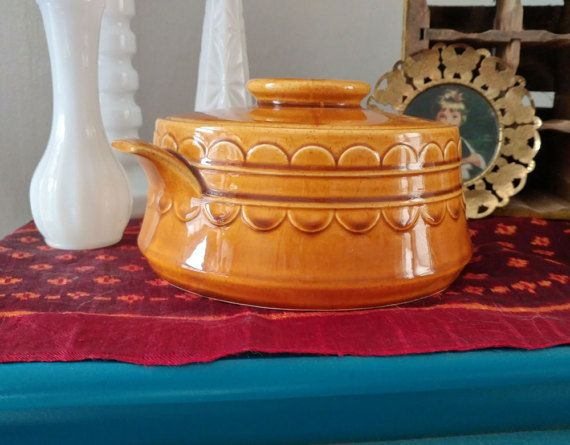 Hey, I found this really awesome Etsy listing at https://www.etsy.com/uk/listing/512231153/vintage-yellow-ceramic-dutch-oven