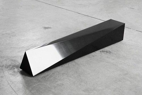 """""""Francesco GENNARI """"Autoritratto tra un quadrato e un triangolo"""", 2006. © Tucci Russo Studio per l'Arte Contemporanea, Torre Pellice. """""""
