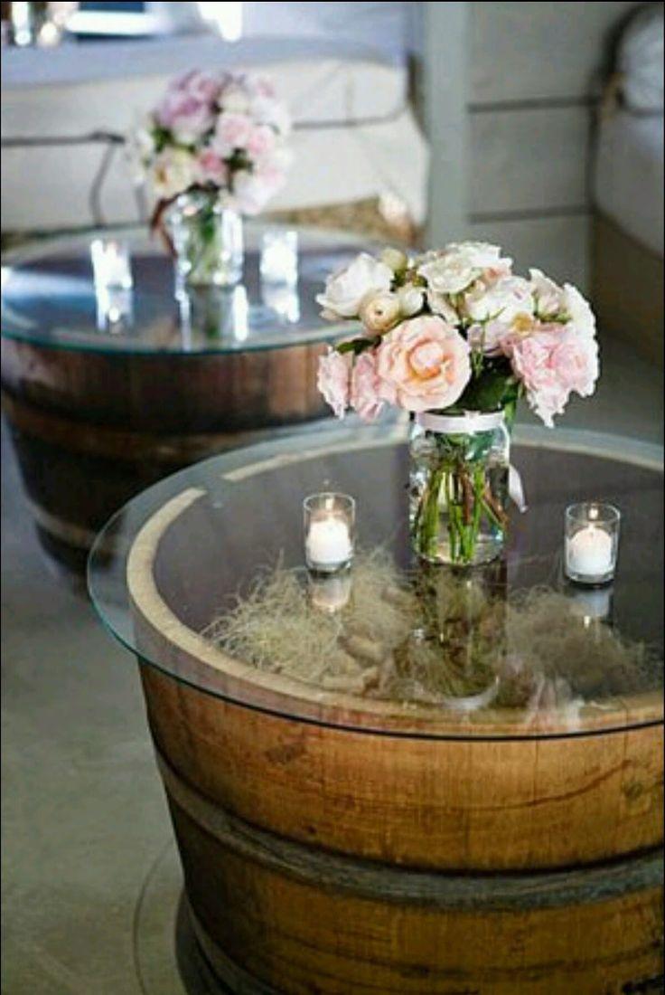 Baue rustikale Gartentische aus alten Fässern.