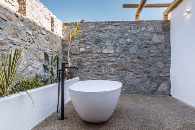 Secret Paradise. #ostracosuites2017 #designhotel #slh #boutiquehotel #mykonos