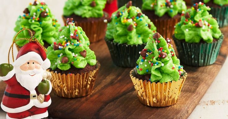 The little ones will adore these oh-so-easy to prepare and fun to decorate Christmas tree cupcakes.