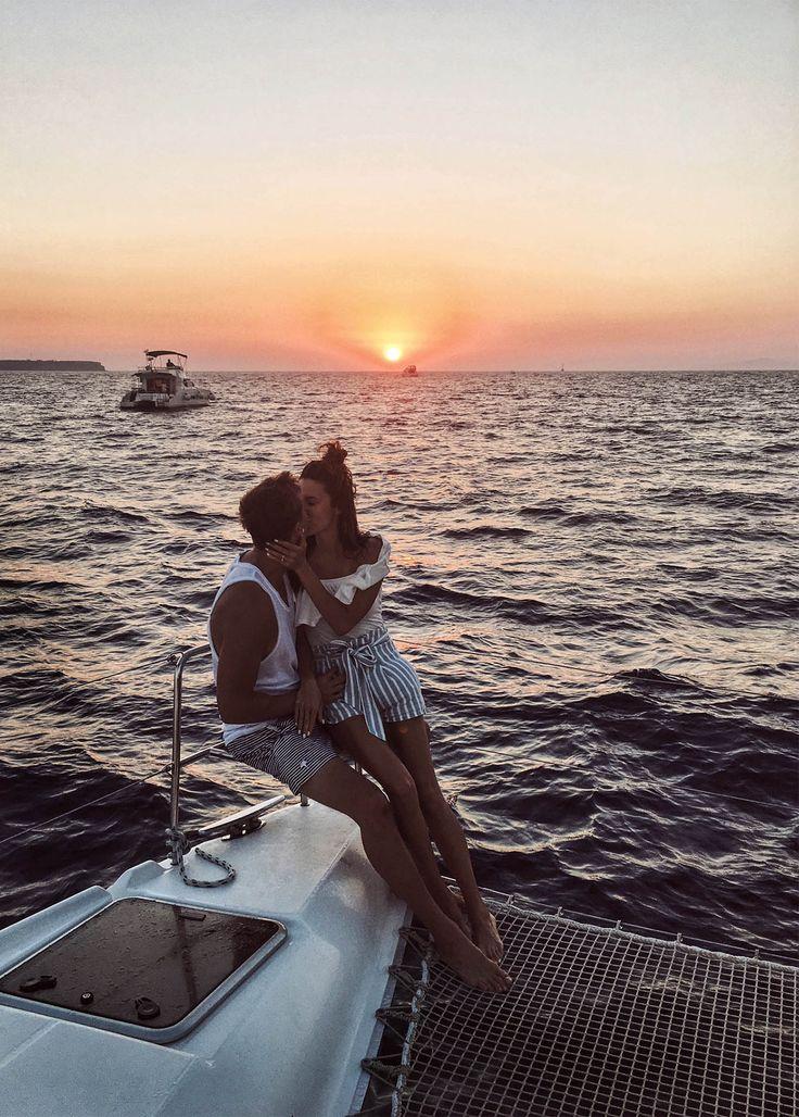 sunset kiss oia Hello fashion Blog