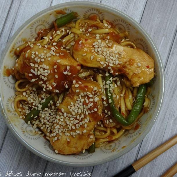 Nouilles chinoise sautées poulet-sésame