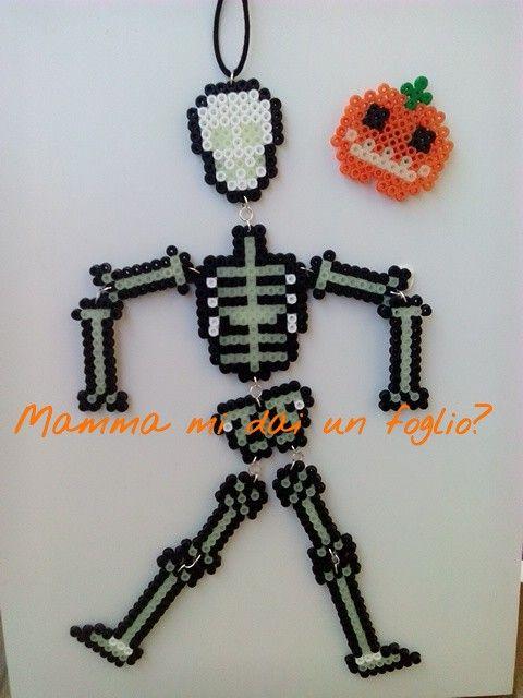 Mamma mi dai un foglio ?: Scheletro di Halloween fluorescente - perline da stirare