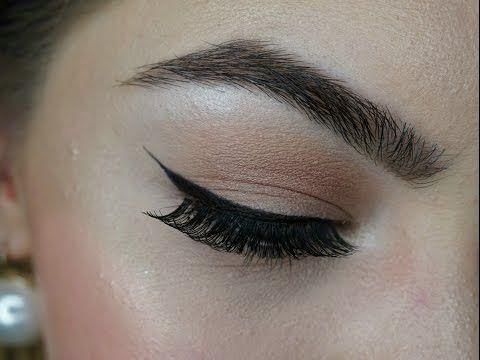 How To: Eyeliner ziehen I Wing ziehen - YouTube
