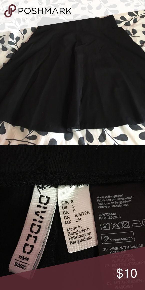 black skater skirt black skater skirt!! worn once! size small!! great condition!! H&M Skirts Circle & Skater