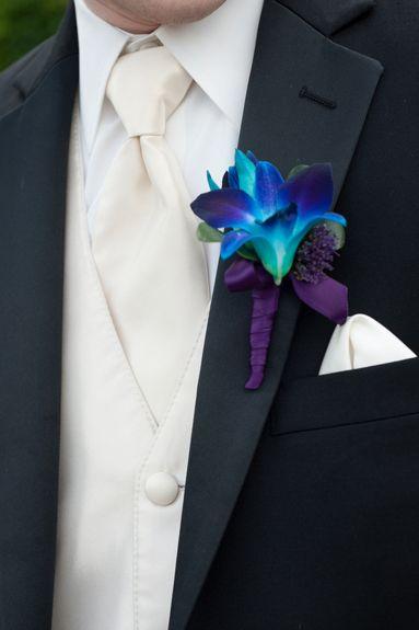 Dendrobium Dyed Blue boutonnière. Karen Feder Photography, Van Dusen Mansion wedding, Fab You Bliss, 008