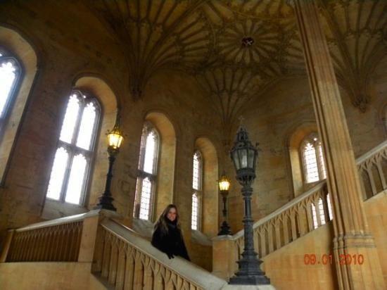 Оксфордский университет, Оксфорд: просмотрите отзывы (882 шт.), статьи и 515 фотографий Оксфордский университет, с рейтингом 4 на сайте TripAdvisor среди 161 достопримечательностей в Оксфорде.