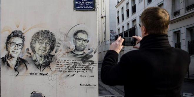 """Francia recuerda con sobriedad el aniversario del ataque a """"Charlie Hebdo"""""""