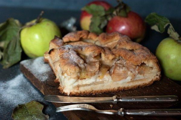 Яблочный пирог с кремовой заливкой