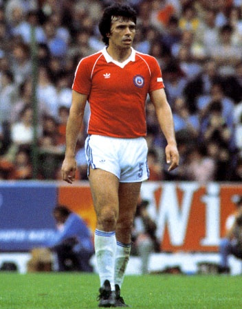 Elias Figueroa, who played in three Fifa World Cups (1966 - 1974 - 1982) with Chile