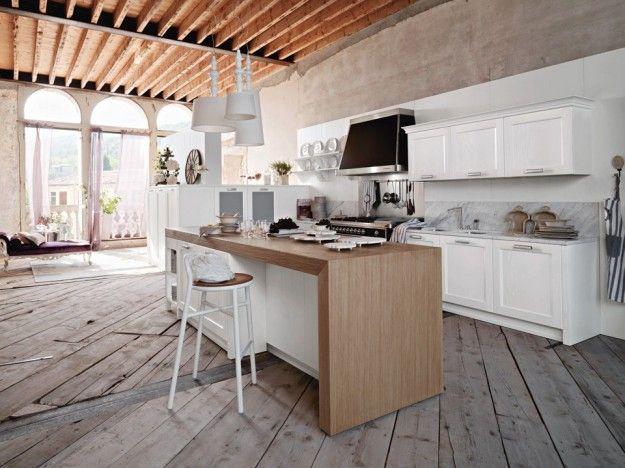 Cucina country bianca - Composizione con isola in legno tra le cucine moderne bianche