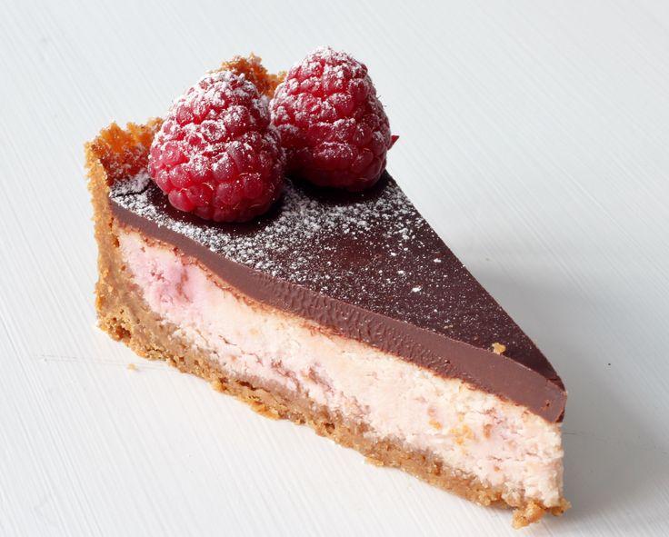 Vit choklad och halloncheesecake
